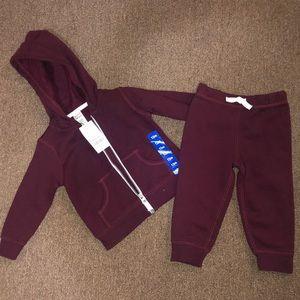 Nwt baby burgundy sweatshirt size 12 months